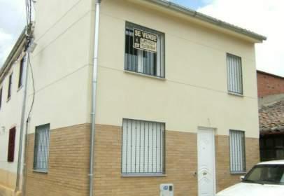 Terraced house in calle Iglesia, nº 10