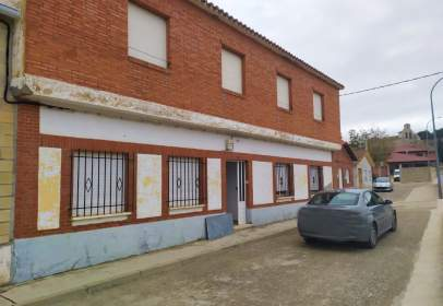 Single-family house in calle Elpuente, nº 11