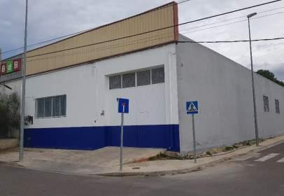 Nau comercial a Travesía Vicente Boluda Polop, 92