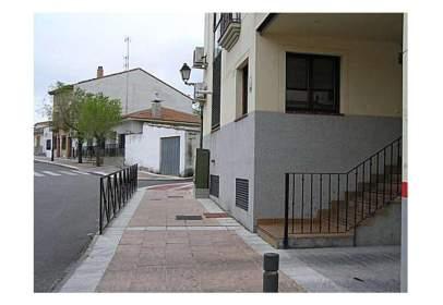 Local comercial en calle Serranillos, nº 8