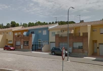 Casa adosada en calle Fuentealamo, 21