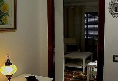 Apartment in calle Vía del Tranvía, 4