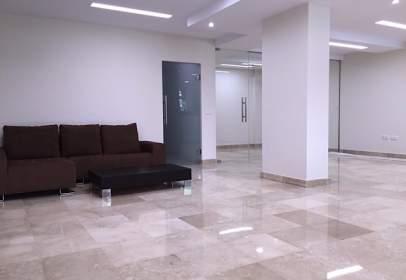 Oficina en Avenida Calderon de La Barca S/N. Urb. Magna Marbella, Blo. Velá