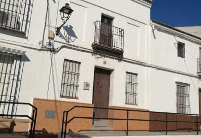 Casa adosada en calle Santiago, nº 16
