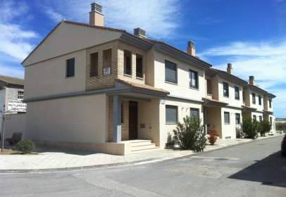 Casa adossada a calle Salvador Moran Enrique, nº 28