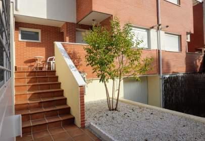 Terraced chalet in calle de Julio Caro Baroja, nº 5