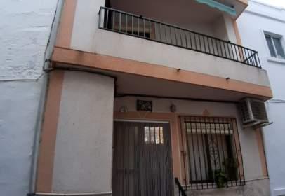 Casa adosada en calle Estación, 4
