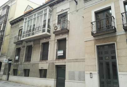 Piso en calle Claudio Moyano, nº 13