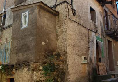 Rustic house in calle Castillo, nº 75