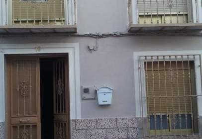 Casa adosada en calle Almería, nº 16