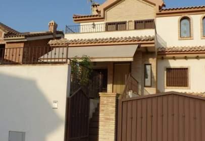 Casa pareada en calle María Goyri, nº 13
