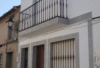 Casa pareada en calle Moreno Nieto, nº 10