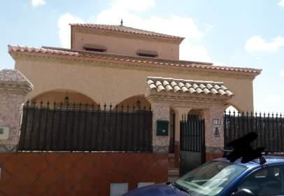 Chalet rústico en calle Vicente Aleixandre, nº 12