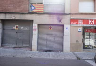 Garatge a Carrer de Galileu, prop de Carrer de Vázquez de Mella