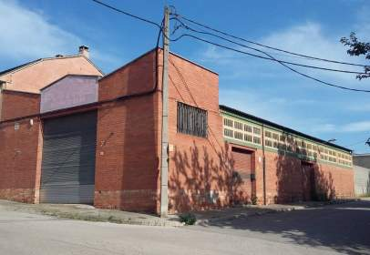 Industrial Warehouse in calle Pompeu Fabra