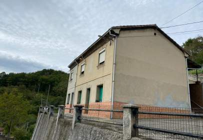 Casa a calle La Gueria , nº 2
