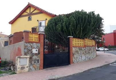 Xalet a calle Leon Y Castillo, prop de Calle San Isidro