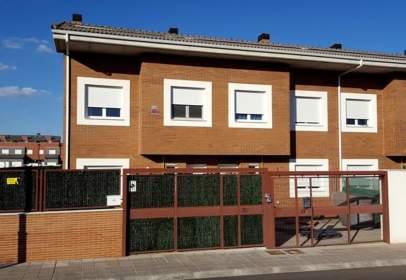 Xalet aparellat a calle Extremadura