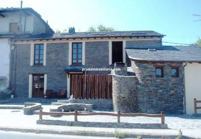 Terraced house in El Espín (Coaña)