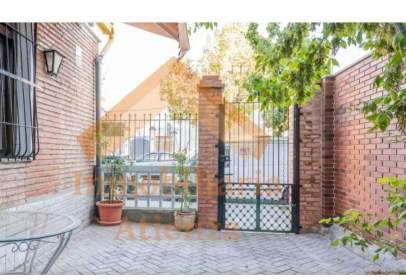 Apartamento en Avenida del Duque de San Pedro de Galatino