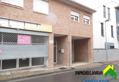 Garatge a calle de Alfonso I