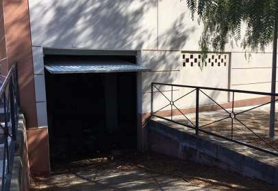Local comercial a  Extremadura Trasera,  52