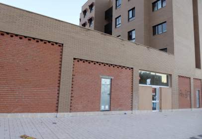 Commercial space in  Encinas,  31