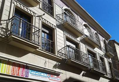 Piso en calle Zabala 5-7 y Perez Galdós 31-33