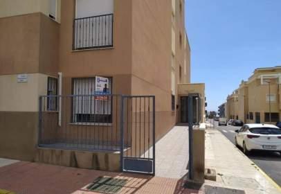 Flat in calle Albuñol